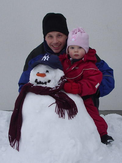 A picture of me, Emilia and the snowman